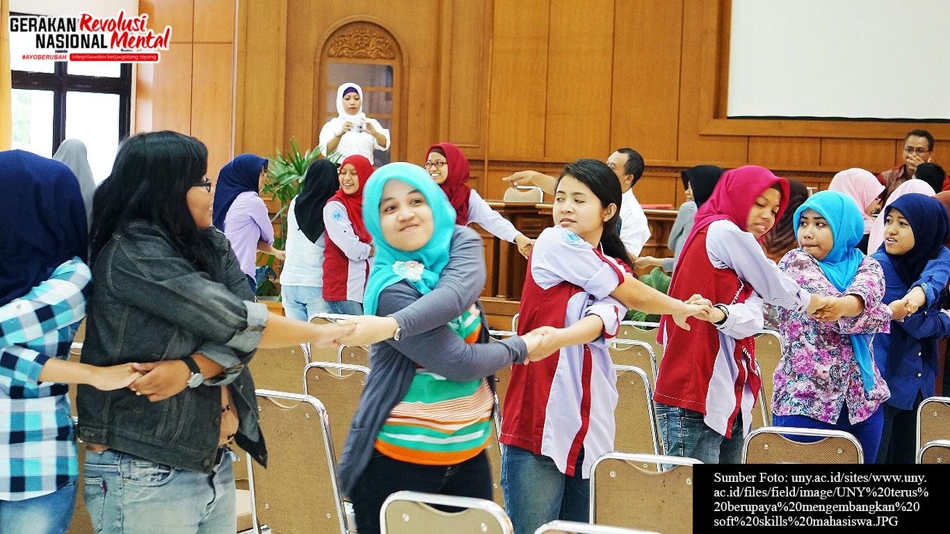 Mahasiswa dalam pelatihan soft skill di UNY