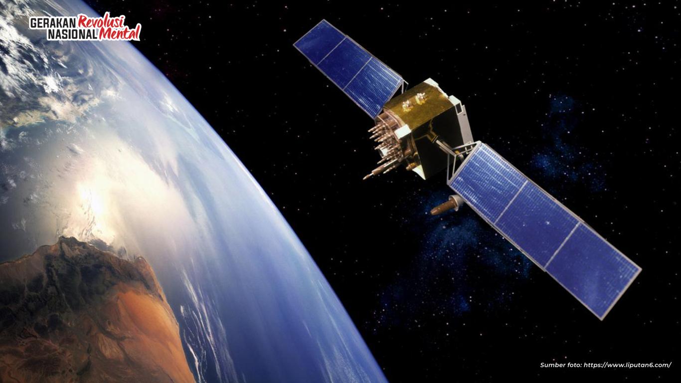 Satelit Palapa menjadi simbol yang mampu mempersatukan Indonesia melalui medium tekonologi informasi dan komunikasi