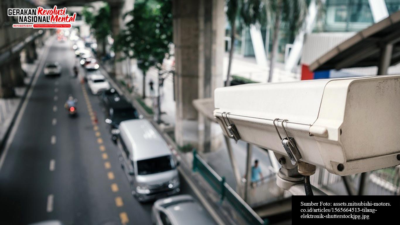 Kamera pengawas ETLE di salah satu titik lalu lintas