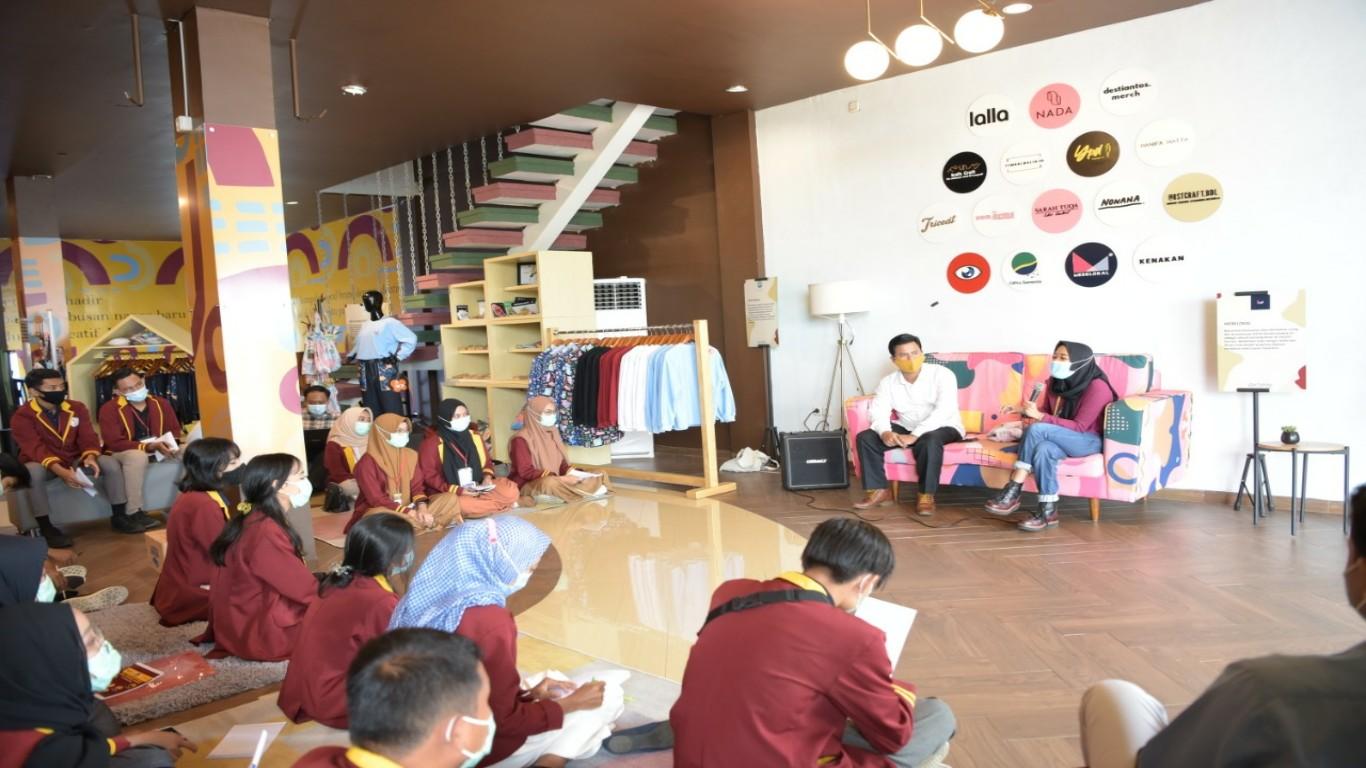 Kunjungan mahasiswa Universitas Teknokrat ke Portofolio dan Kiyotime